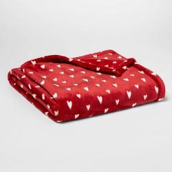 Printed Mini Hearts Plush Throw – Room Essentials™