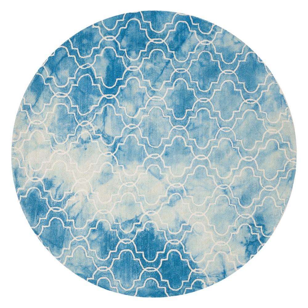 5' Quatrefoil Design Round Area Rug Blue - Safavieh, Blue/Ivory