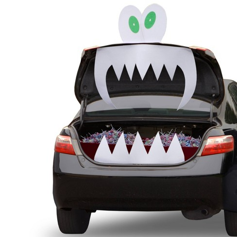 Freaky Fangs Halloween Tricky Trunk Decor - image 1 of 1