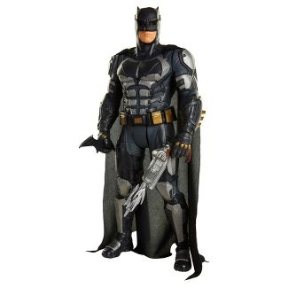 DC Theatrical Armored Batman Figure