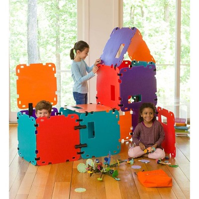 HearthSong 16-Panel Colorblock Fantasy Forts Indoor/Outdoor Building Kit with Lightweight Corrugated Plastic Panels
