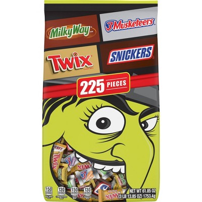 3 Musketeers, Snickers, Milky Way, Twix, Halloween Candy Variety Pack - 61.85oz/225ct