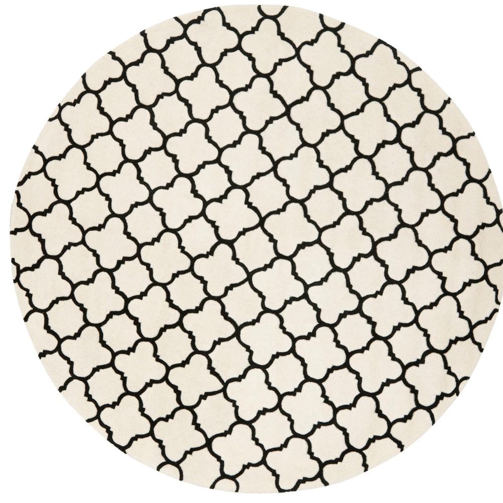 7 39 Tufted Quatrefoil Design Round Area Rug Ivory Black Safavieh