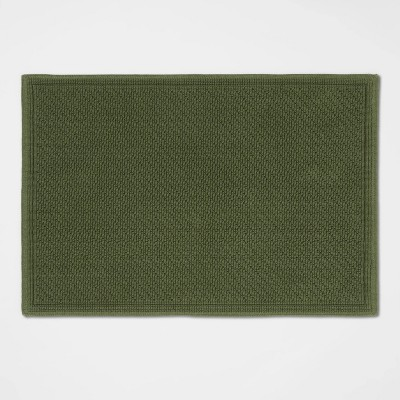 "21""x30"" Performance Solid Cotton Bath Mat Dark Green - Threshold™"
