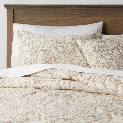 Full/Queen Reversible Family-Friendly Comforter & Sham Set Neutral Floral - Threshold™
