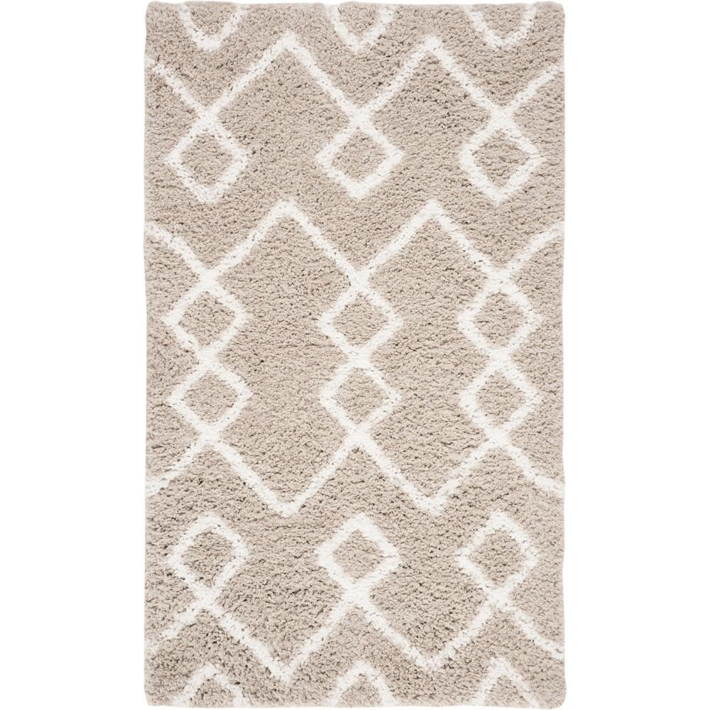 6'X9' Tribal Design Tufted Area Rug Silver/Ivory - Safavieh