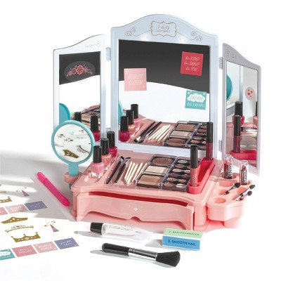 FAO Schwarz Ultimate Vanity Makeup Studio - 30pc
