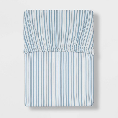 Full 300 Thread Count Ultra Soft Fitted Sheet Blue Stripe - Threshold™