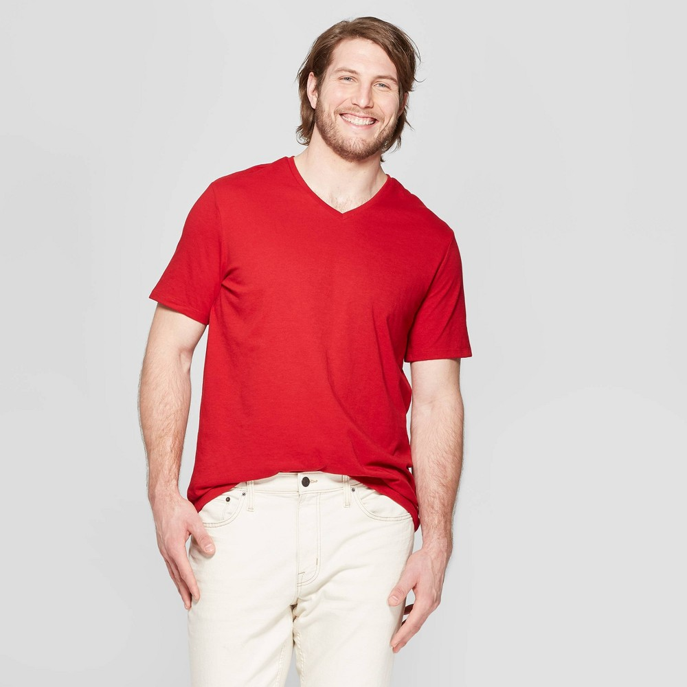 Men's Big & Tall Standard Fit Short Sleeve Lyndale V-Neck T-Shirt - Goodfellow & Co Red Velvet 2XBT