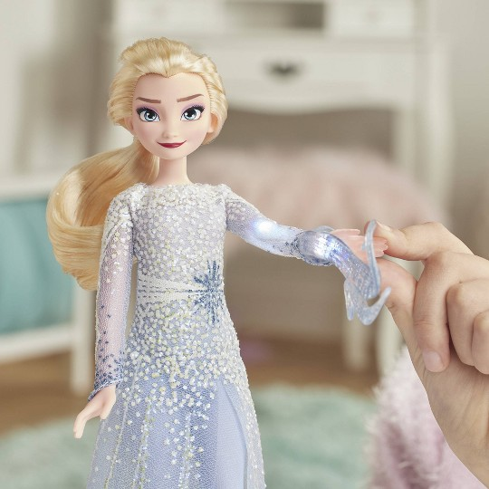 Disney Frozen 2 Magical Discovery Elsa Doll image number null