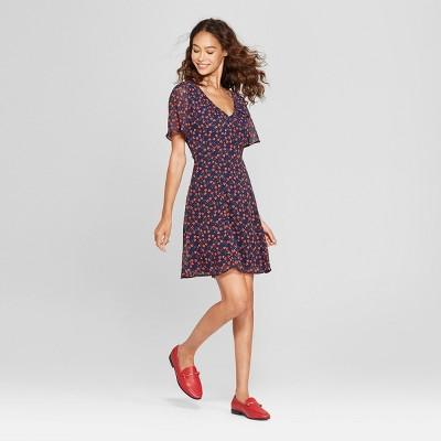 cca0e8de8fc5 Women s Floral Print Short Sleeve Shirred Neck Mini Dress - Éclair Navy Red  XS   Target