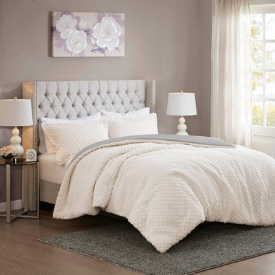 King Colden Reversible Textured Sherpa to Faux Mink Comforter Set - Ivory/Gray