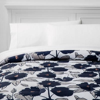 Full/Queen Microfiber Printed Comforter Blue Floral - Room Essentials™