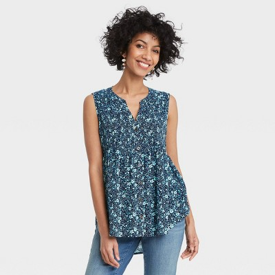 Women's Sleeveless Smocked Button-Front Top - Knox Rose™
