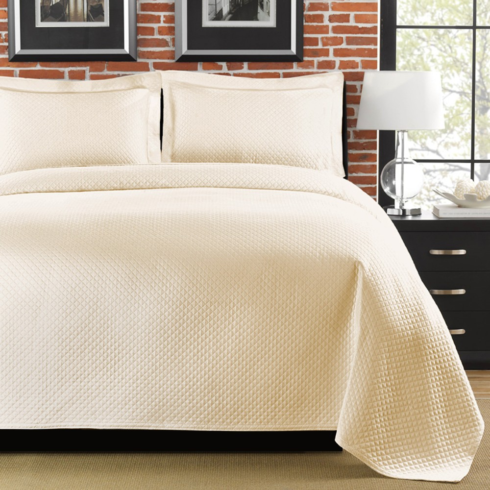 Ivory Diamante Coverlet (King) - LaMont Home