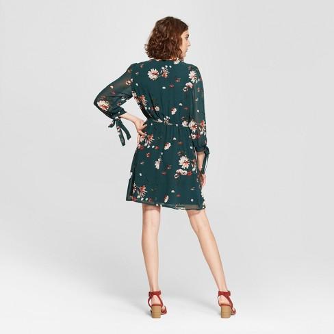 0405ce67bbec Women's Floral Print 3/4 Sleeve V-Neck Dress - Lily Star (Juniors') Green :  Target