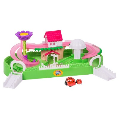 Little Live Pets™ Lilu0027 Ladybug Garden Playset
