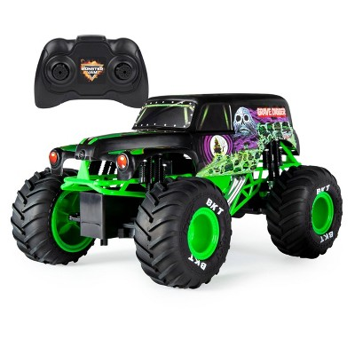 Monster Jam Official Grave Digger Remote Control Truck 1:15 Scale, 2.4GHz
