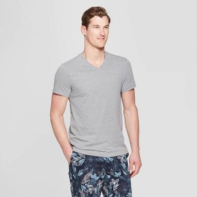 Men's Standard Fit Short Sleeve Lyndale V-Neck T-Shirt - Goodfellow & Co™