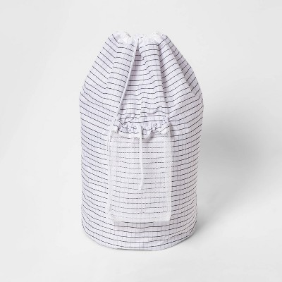 Backpk Laundry Bag Grid Pattern White - Room Essentials™