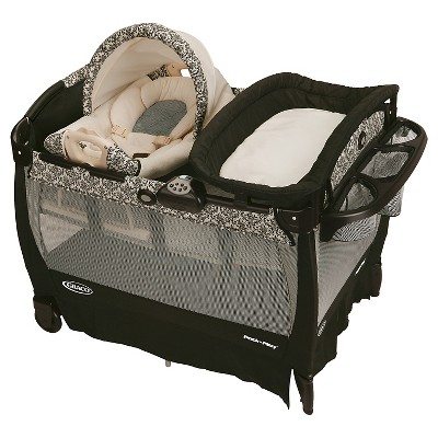 Graco® Pack 'n Play Playard with Cuddle Cove Removable Seat & Changer
