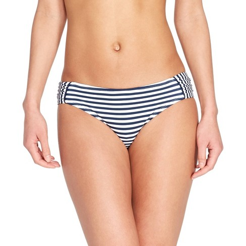 260bb200ea39c I paired the top with the matching bottoms for the full nautical feel. #ad  #sponsor #model #onefitnessnation 👙Swimsuit: vineyardvines target  #vineyardvines ...
