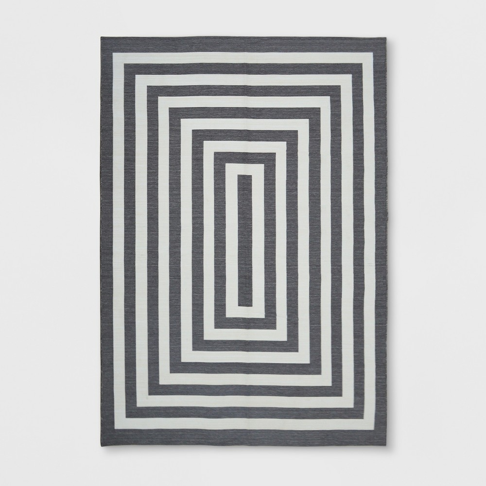 7' x 10' Mitre Stripe Outdoor Rug Gray - Project 62