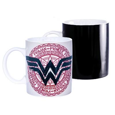 Seven20 DC Comics Wonder Woman 11oz Heat Reveal Medallian Art Mug