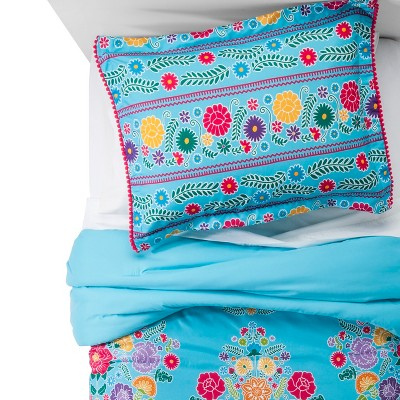 Fiesta Comforter Set (Full/Queen)3 pc - Multicolor - Pillowfort™