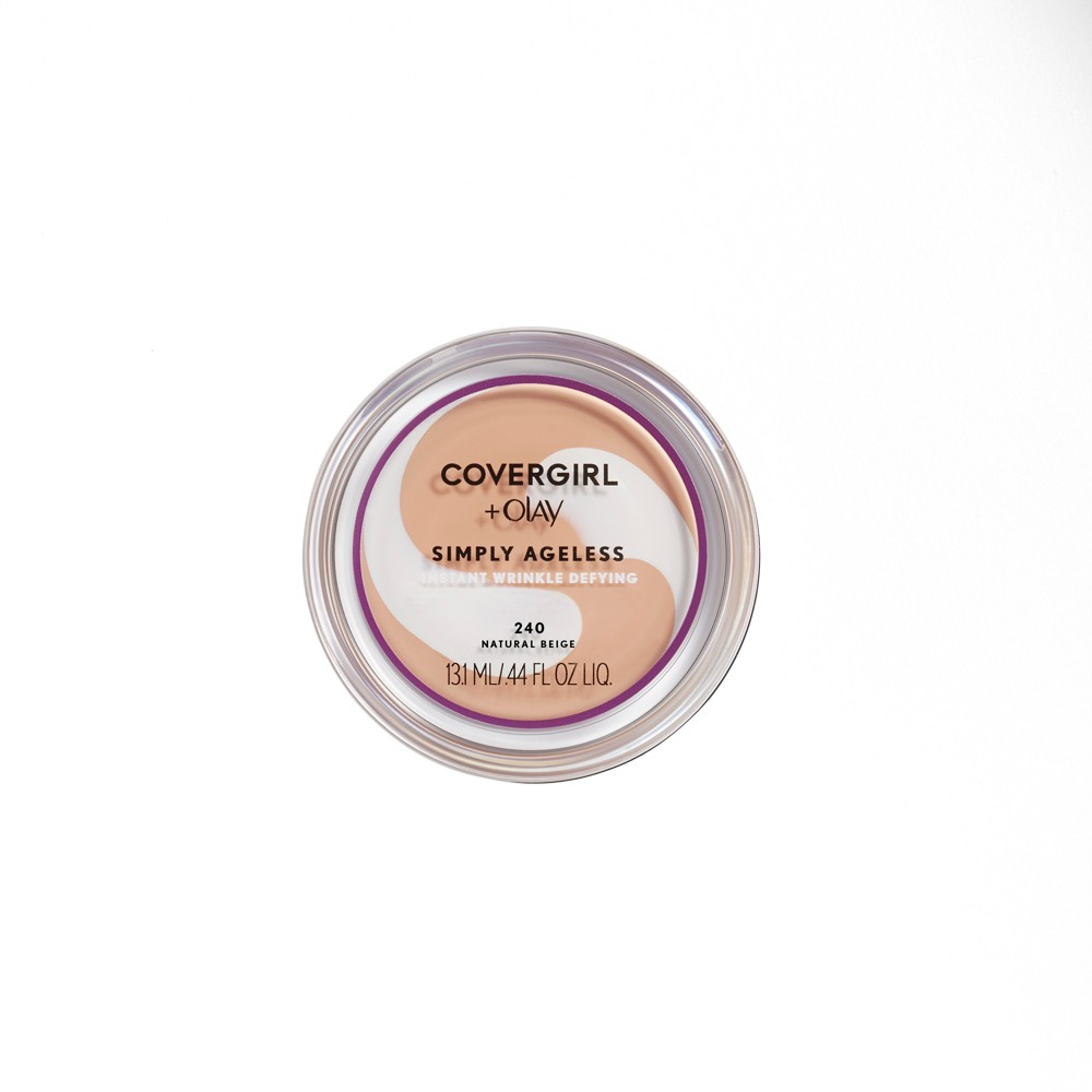 Covergirl + Olay Simply Ageless Compact 240 Natural Beige .4oz