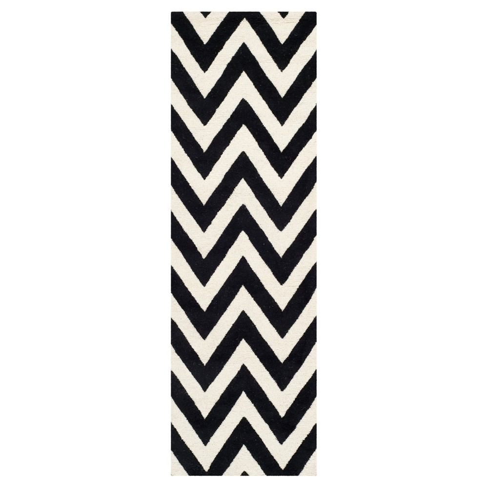 Dalton Textured Rug - Black / Ivory (2'6 X 8') - Safavieh, Black/Ivory