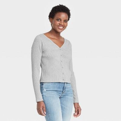 Women's Long Sleeve V-Neck Button-Front T-Shirt - Universal Thread™