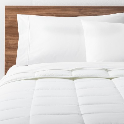 White Solid Down Alternative Comforter (King)- Made By Design™