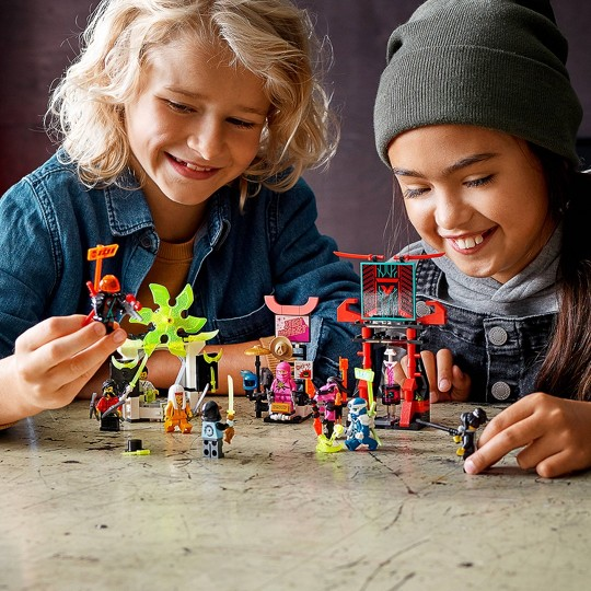 LEGO NINJAGO Gamer's Market 71708 Ninja Building Kit image number null