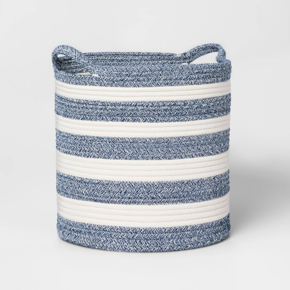 Medium Coiled Stripe Rope Navy Pillowfort 8482