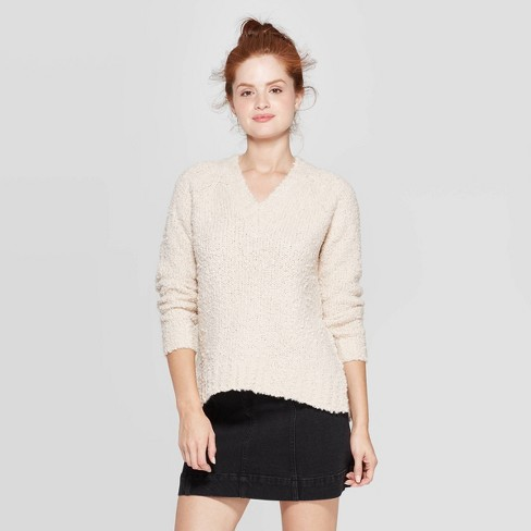 Women's Long Sleeve V-Neck Boucle Pullover - Universal Thread™ - image 1 of 3