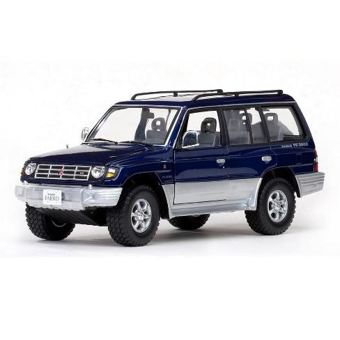 Ogromny 1998 Mitsubishi Pajero Long 3.5 V6 Royal Blue Pearl 1/18 Diecast TD01