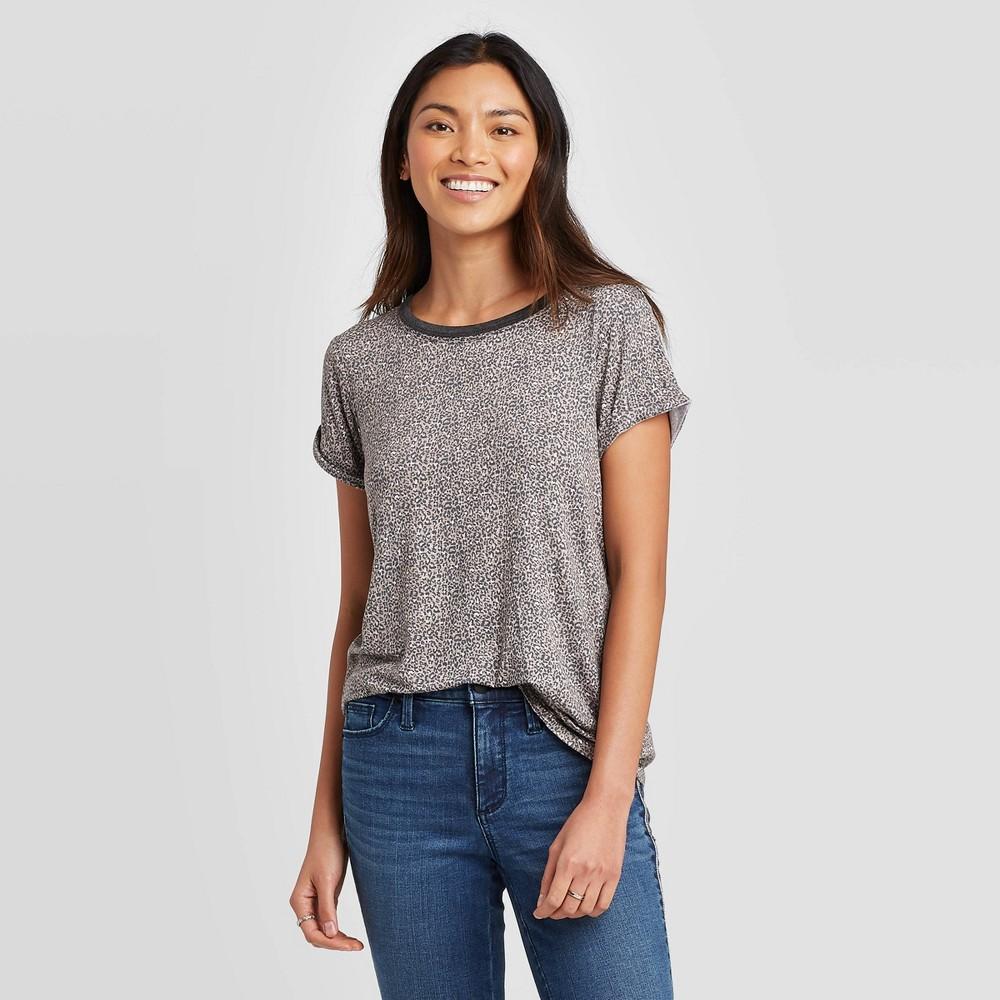 Image of Women's Animal Print Short Sleeve Crewneck T-Shirt - Knox Rose Brown L, Women's, Size: Large