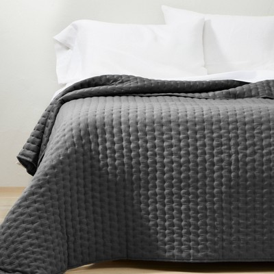 King/California Cashmere Blend Quilt Dark Gray - Casaluna™