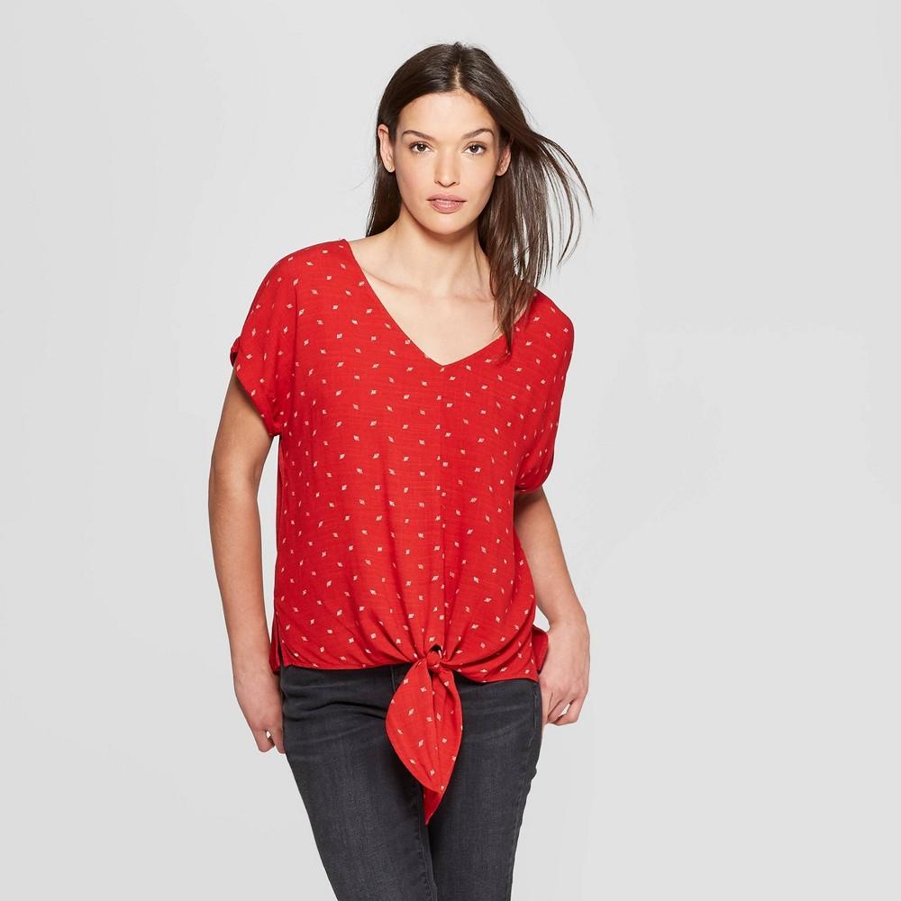 Women's Short Sleeve V-Neck Geo Print Tie Front - Universal Thread Red M