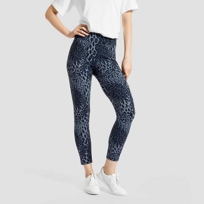 Hue Studio Women's Wavy Leopard Print Mid-Rise Classic Denim Jean Skimmer Leggings - Blue