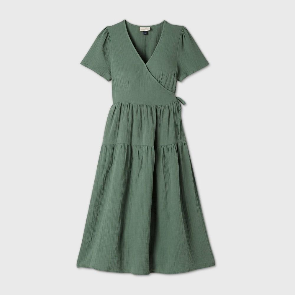 Top Women's Plus Size Short Sleeve Wrap Dress - Universal Thread™
