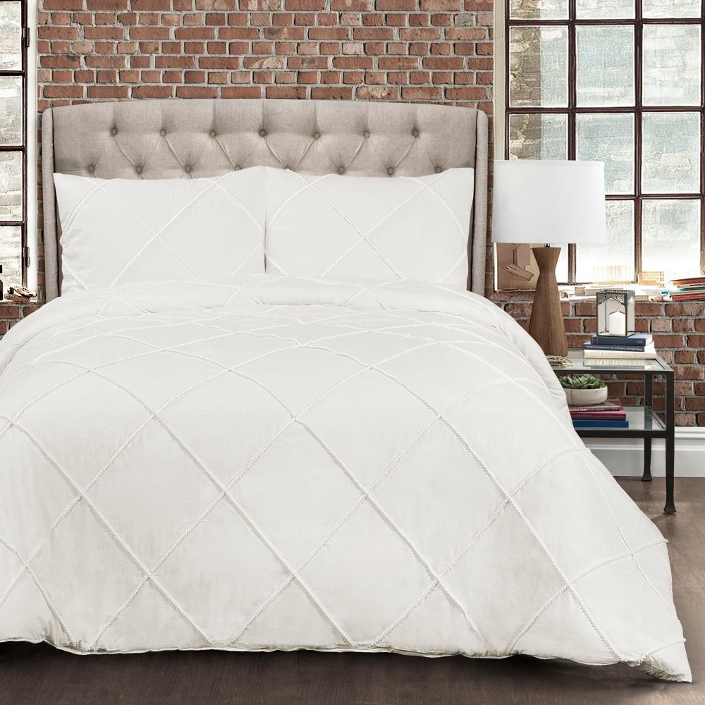 White Diamond Pom Pom Comforter Set (King) - Lush Decor