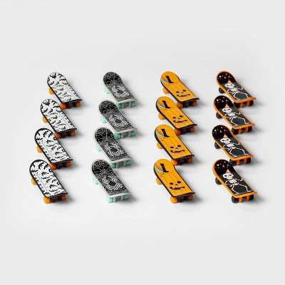 16ct Mini Skateboards Halloween Party Favors - Hyde & EEK! Boutique™