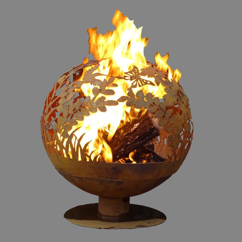 Laser Cut Garden Fire Sphere L - Esschert Design, Red