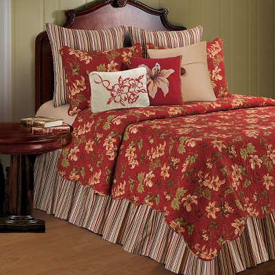 C&F Home Lily Garden Quilt Set