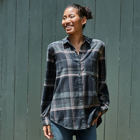 Women's Plaid Long Sleeve Button-Down Shirt - Universal Thread™ - image 1 of 4