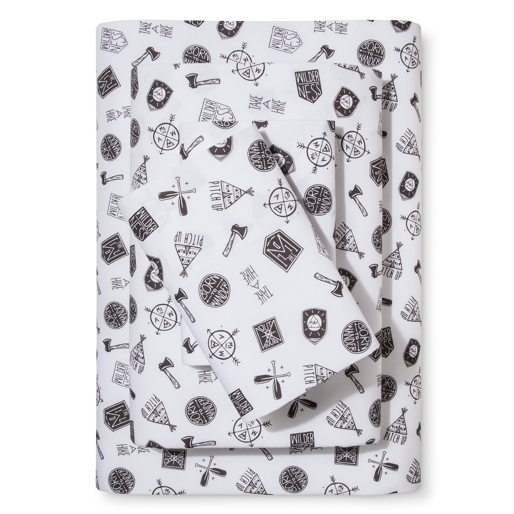 Queen 4px Camp Patches Printed 100% Cotton Sheet Set - Pillowfort, Gray