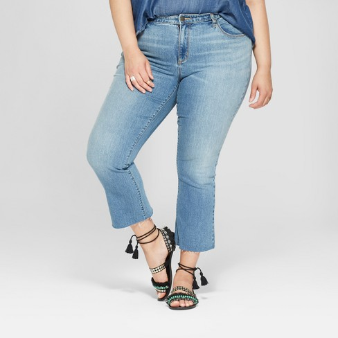 Women's Plus Size Kick Boot Crop Jeans - Universal Thread™ Light Wash - image 1 of 3