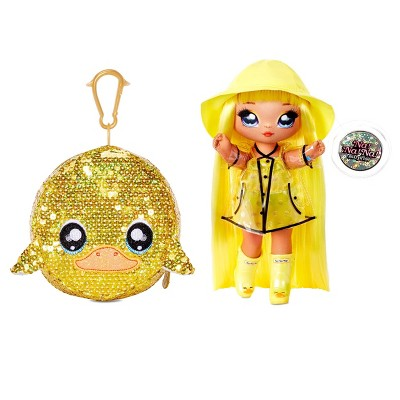 """Na! Na! Na! Surprise 2-in-1 Fashion Doll and Sparkly Sequined Purse Sparkle Series – Daria Duckie 7.5"""" Raincoat Doll"""